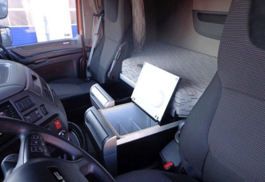 重卡驾驶室内置车载冰箱